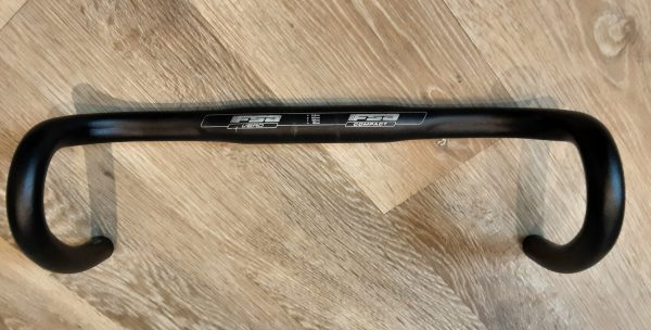 FSA Vero compact drop handlebars
